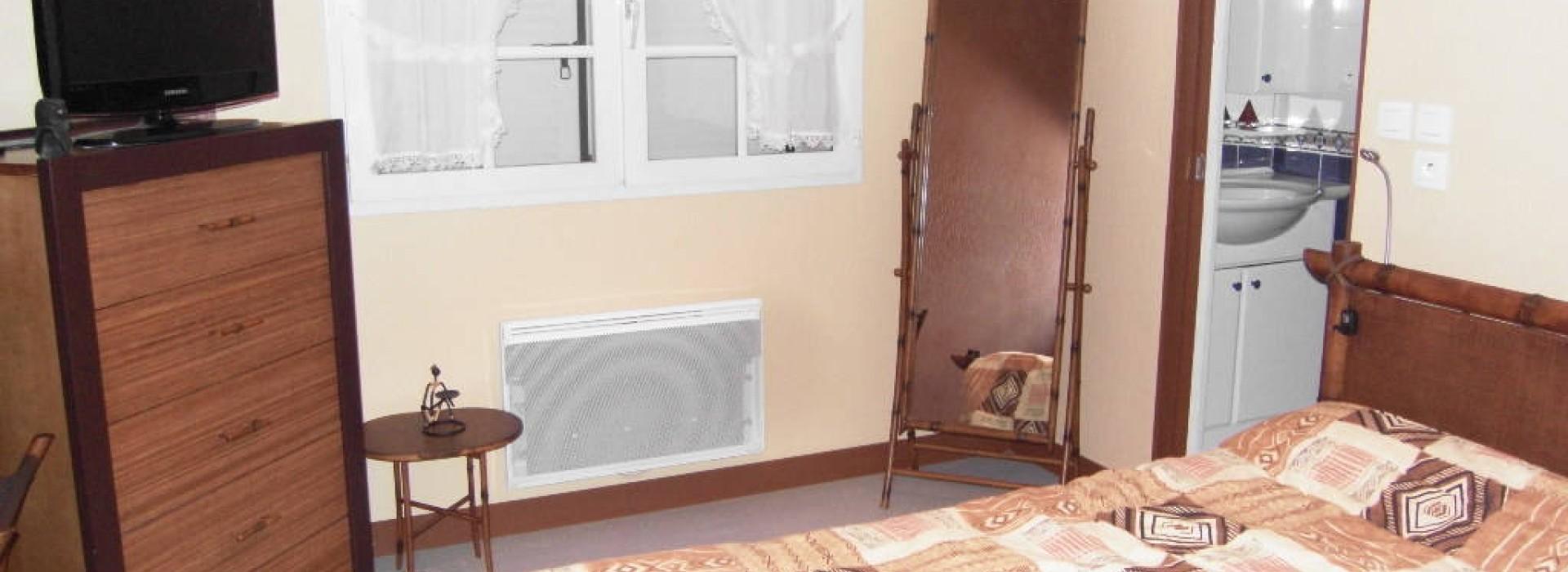 chambre d 39 hotes voyer daniel bed and breakfast frankrijk pays de la loire. Black Bedroom Furniture Sets. Home Design Ideas